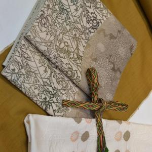 「あえてピントをはずしてみる」一日1コーディネート小物チェンジ【017】無地結城紬&染袋帯