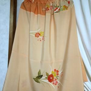 薄いオレンジの訪問着からスカートに*1枚目*