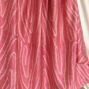 ピンクのスカート2枚目