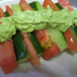 大根めし・・・・野菜たっぷり晩ごはん・・・こぼれ種から芽が出たトマトたち・・・・