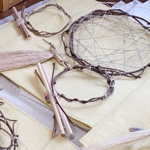 初日は、鏡三点他は、土地の浄化のために〜ご縁結びの古代蓮シャーマンアクセサリー販売会〜