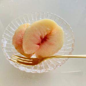 桃のむきかた(しつこい笑)とお皿はこちらです♪