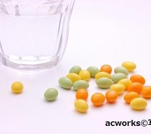 高齢者の転倒リスクに「ビタミンDサプリの摂りすぎ」が浮上!米・研究