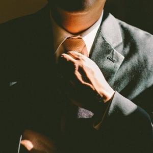 着られるスーツが一着も無い&そもそも最近スーツを買っていない