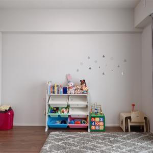 おもちゃ棚に100均の箱を使ってスッキリ作戦
