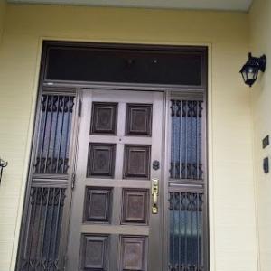 玄関ドアをYKKに交換