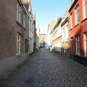 ベルギー旅7日目(4) オリエンタル風な教会を見ながら散策
