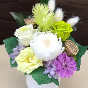 プリザーブドフラワーの仏花グリーン系です