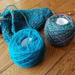 2016年の手紡ぎ糸で編むマフラー