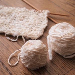 くず繭紡ぎ糸で編み物を