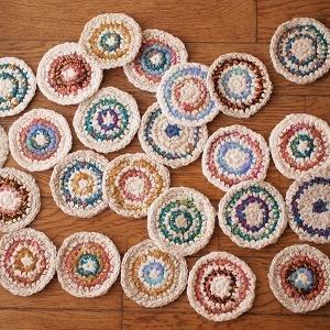 手紡ぎ糸のコースター、第一弾の仕上げ