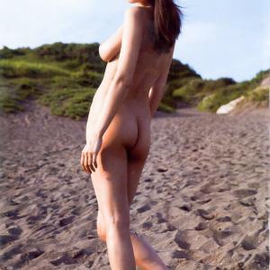 【G-cup】片山萌美(B91)巨乳の乳首・乳輪が見えてる最高にエロ美しいヌード厳選まとめwww