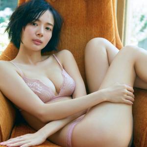 【G-cup】岡田紗佳(B85)露出度高めのエロい下着で美乳が最高すぎ!!!!