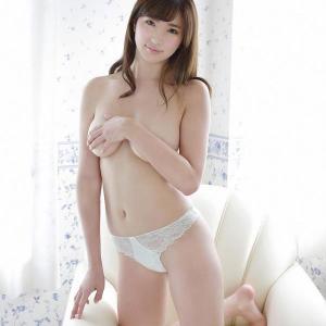 【F-cup】松嶋えいみ(B87)手ブラでオッパイの形が丸わかりのエロいグラビアwwwww