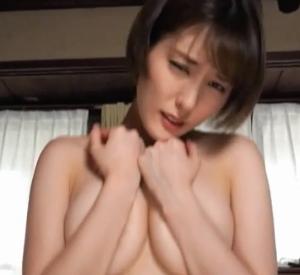 【G-cup】朝比奈祐未(B89)ノーブラ乳寄せからのエロすぎる擬似セックス動画