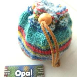 Opalミニボールで編む まん丸巾着