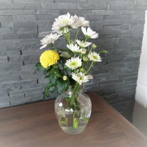 花を添えて…。