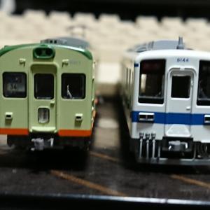 年の瀬にやってきた2つの昭和の電車