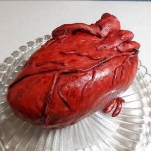 バレンタインデーにハート(心臓)ケーキはいかが?