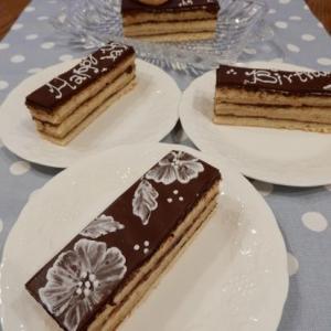 憧れのフランス菓子「オペラ」続き。&ケーキにもクッキーにもアイシングでお絵描きしてみました。