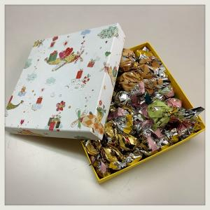 (  ˇᴗˇ)お菓子箱(  ˇᴗˇ)