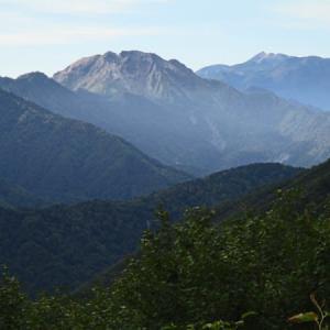 秋めく北アルプス双六岳
