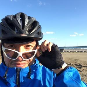 チラッと自転車通勤です。