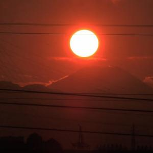 多摩市桜ケ丘3からのダイヤモンド富士