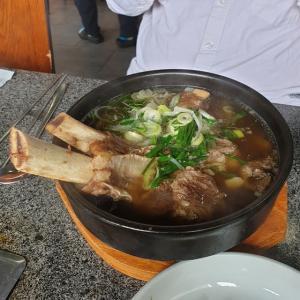 【韓国生活】 ボンスゥォンカルビ カルビタン食べたんですが、 お店によってこんなに味が違うんだ・・・・