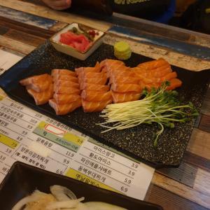 【龍仁】 サーモンそしてポチャ「연어 그리고 포차」 韓国らしい居酒屋さんに行ってきました