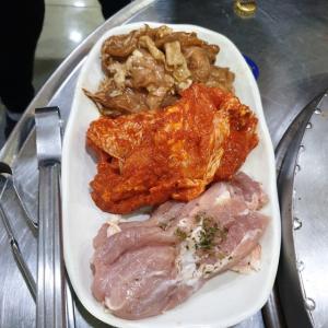 【おやじ韓国地方旅 春川】 春川本家スップルタッカルビ「춘천본가슻불닭갈비」 炭焼きのタッカルビ美味しいです