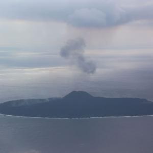 小笠原諸島・西之島で火山噴火(2019)。西之島の場所や概要、大きさの変遷など。
