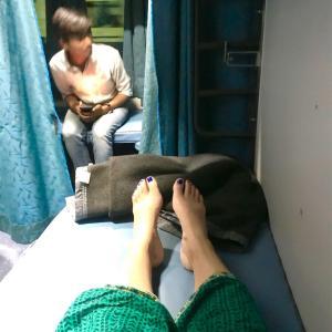 自己主張とは。おかしな夜行列車の旅。デリーからバラナシへ12時間の旅(電車旅編) 【2019インドディワリ旅⑥】