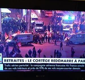 フランス 大規模ストライキ開始