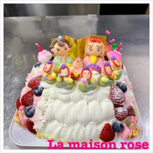 特別オーダーひなまつりケーキです。