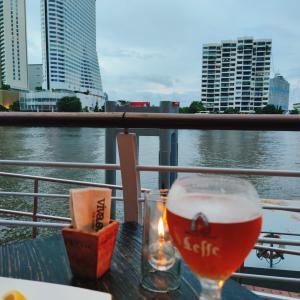 【バンコク・レストラン】リバービューを楽しめるカジュアルレストラン「Viva & Aviv The River」