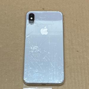 iPhone Repair 背面ガラス割れ 交換