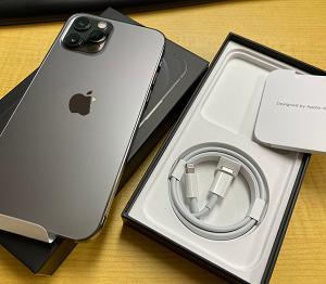 iPhone12Pro 入荷済みです。