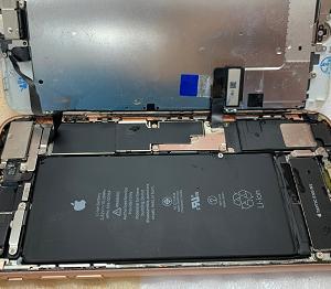iPhone Repair 水没修理 ご来店頂きました。