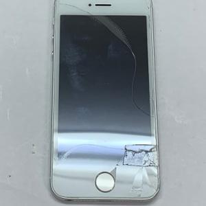 iPhone Repair ガラス割れ ご来店頂きました。