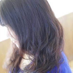 すっぴん髪エアウェーブ♪贅沢な大人の✨ツヤ髪ロングのツヤを生かした〜ゆらぎと動き👍✨