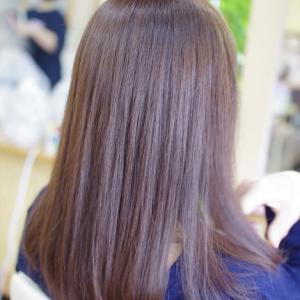 素髪による改善は、実感できる♪雨の日でも広がらず♪まとまるツヤ髪に👍✨