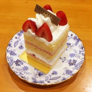 グラマシーニューヨークのケーキをいただく