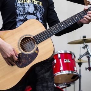 アコースティックギター初心者にオススメの定番曲7選
