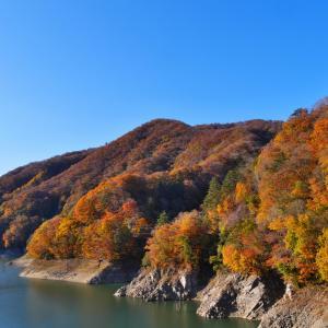 鬼怒川上流  瀬戸合峡、川俣湖 の秋の風景