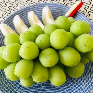 梨と葡萄とバタどらと