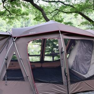 遮光性と通気性に優れた万能テントで過ごす真夏の川遊びキャンプ