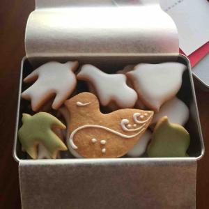 ルスルスのクッキー缶とエシレの焼き菓子