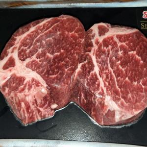 外ご飯用の肉も魚もネットでポチッ・・・(;^_^A
