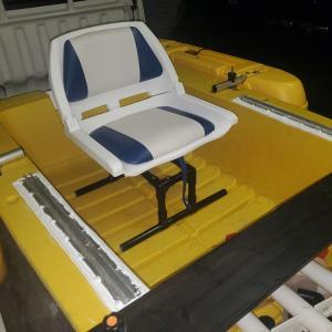 ボートエース艤装 今日はシートの取り付け^^